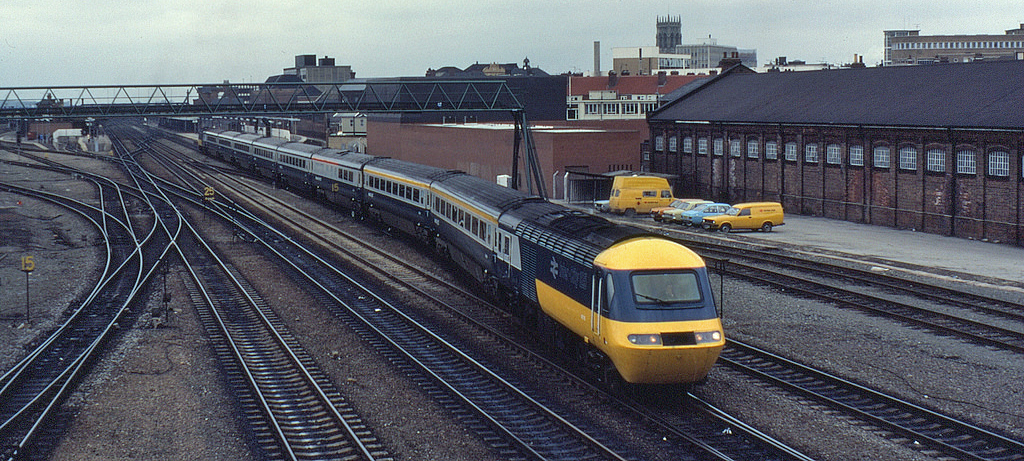 An Intercity 125 train photographed in 1983. By flickr user Phil Richards