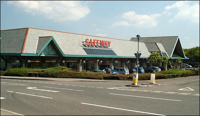 Safeway store, Bude (2005)