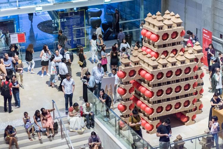 noa-haim_-national-gallery-singapore-_pagodas-robot_004-lr