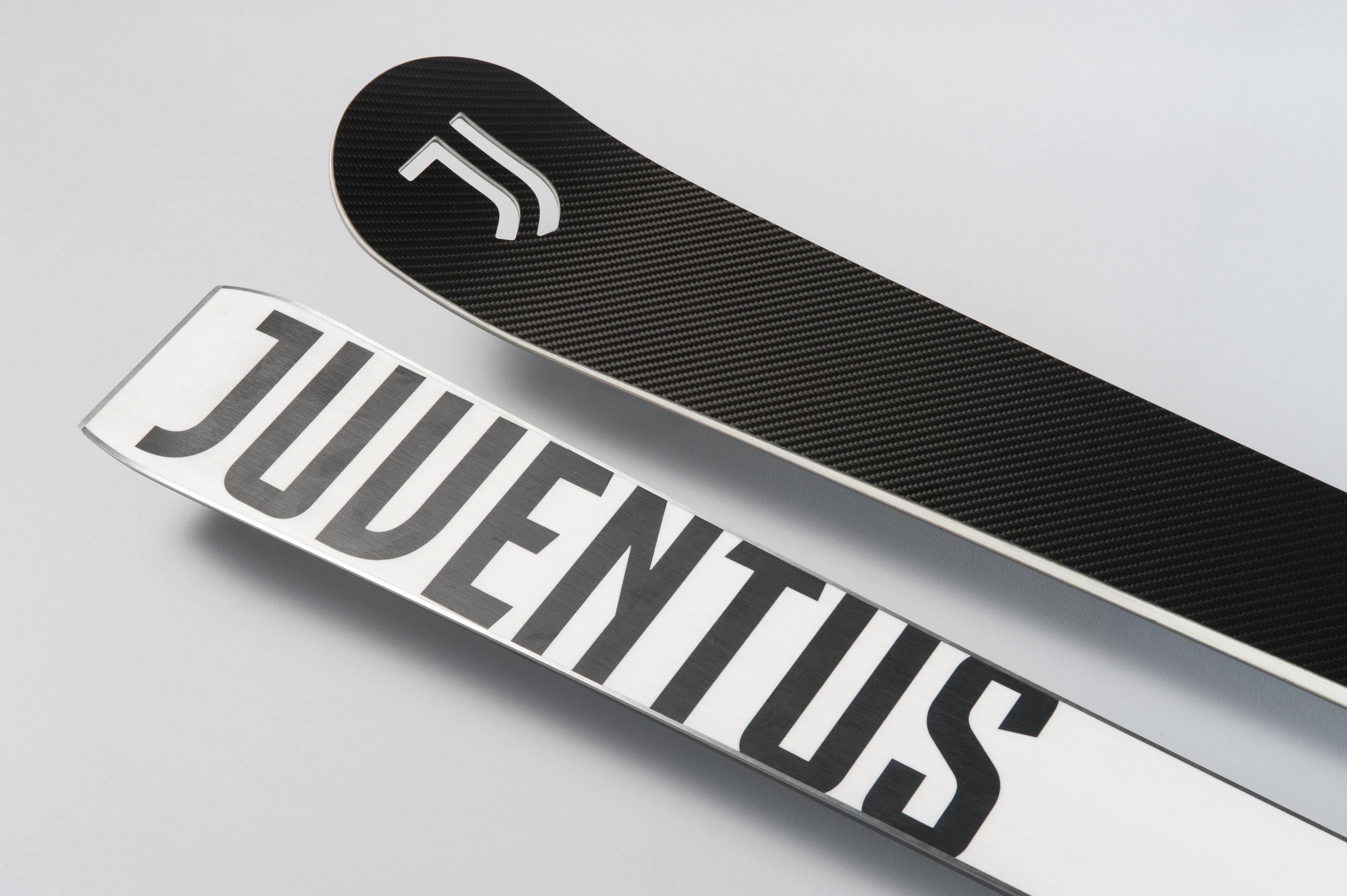 Juventus Skis Front and Back - Interbrand Milan