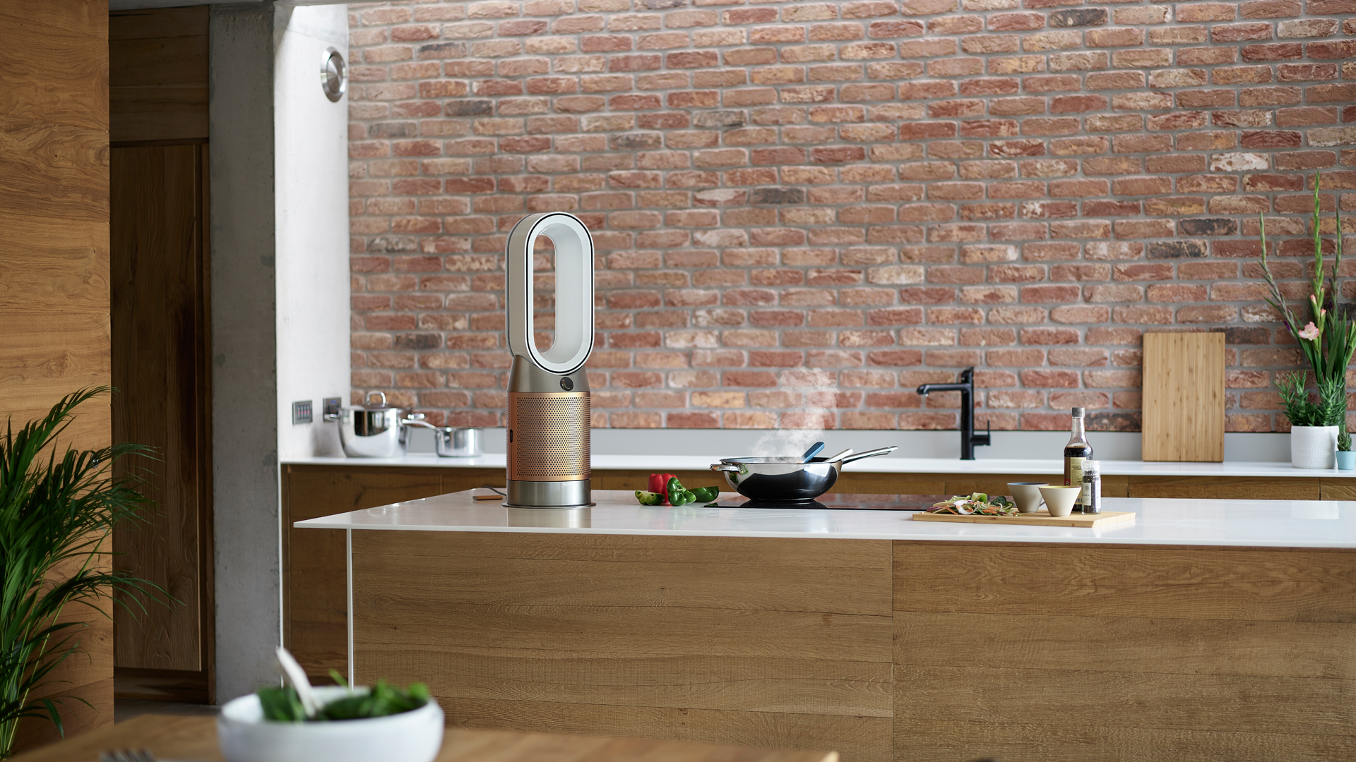 Dyson designs product to remove formaldehyde from the home