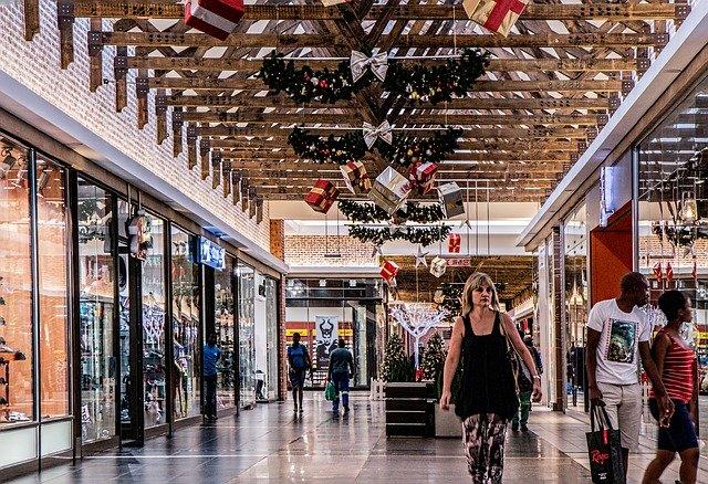 xmas shopping mall